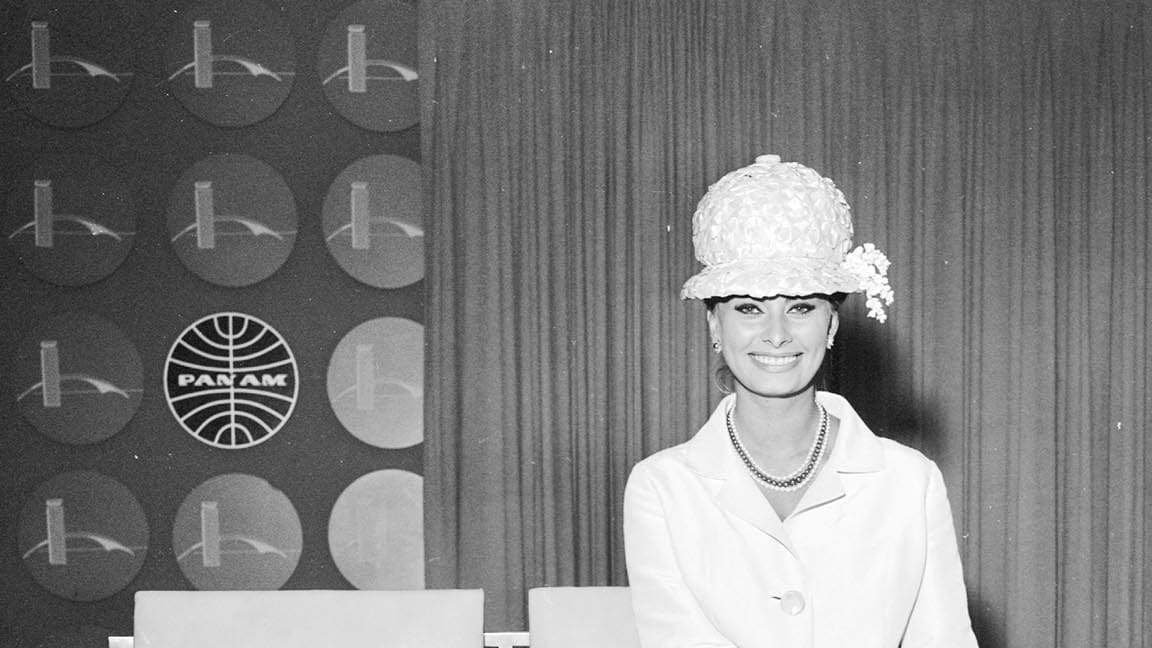 Classic Jet Set: Jackie O., Liz Taylor & More Stars in the Air (Photos)