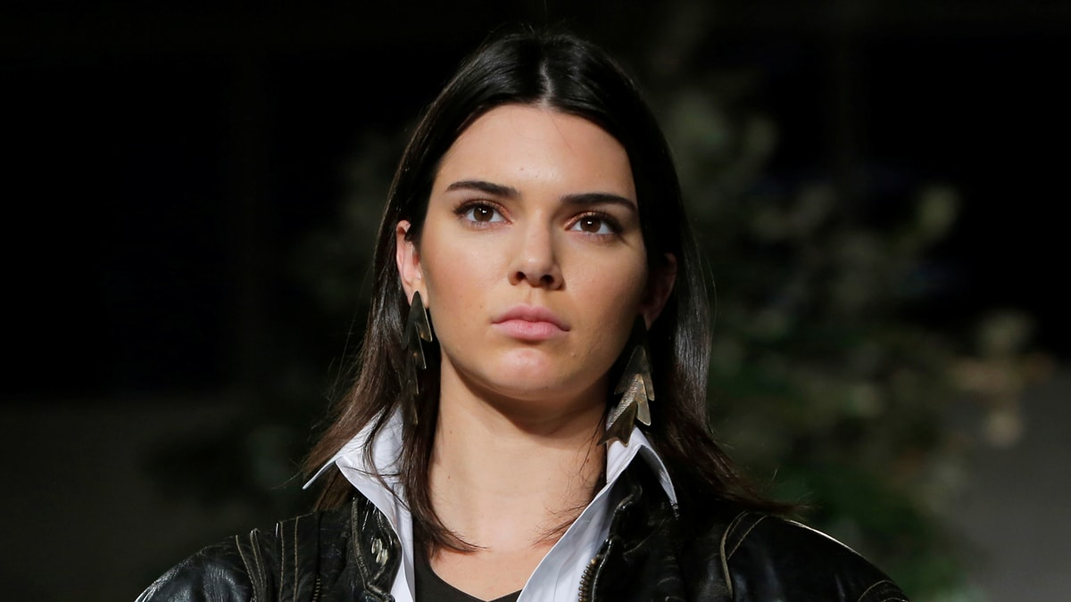 Kendall Jenner Takes Extra Security To Paris After Kim Kardashian Robbery