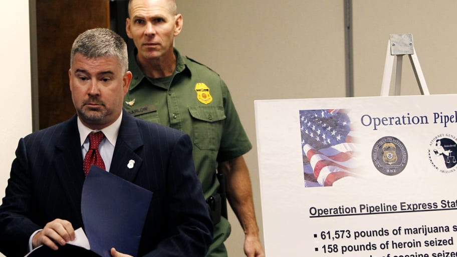 Cops Bust $2B Drug Ring in Arizona