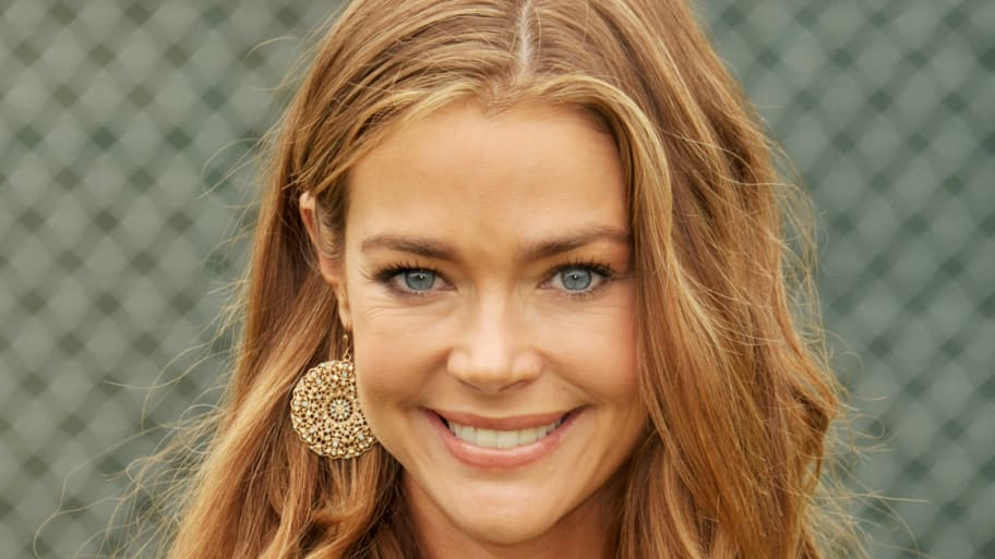 Denise Richards lesbisk sex scen