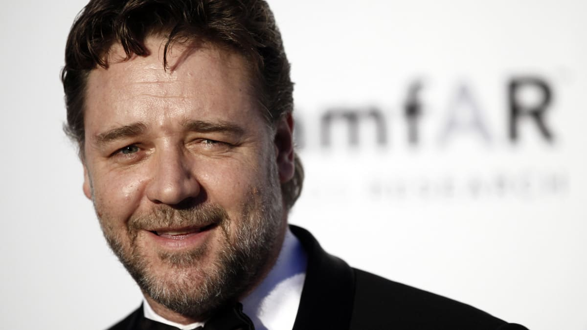 Russell Crowe and Azea...