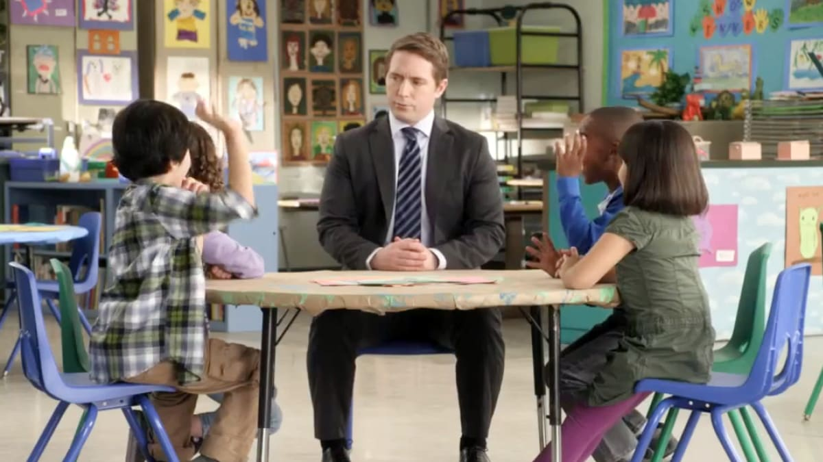 Beck Bennett: Meet That Guy in Those Adorable AT&T Commercials