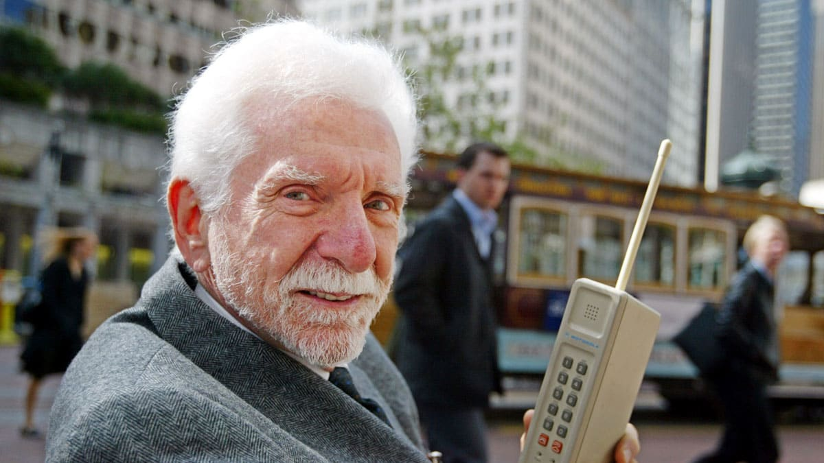 The Cellphone Turns 40: Remembering Martin Cooper's Historic Call