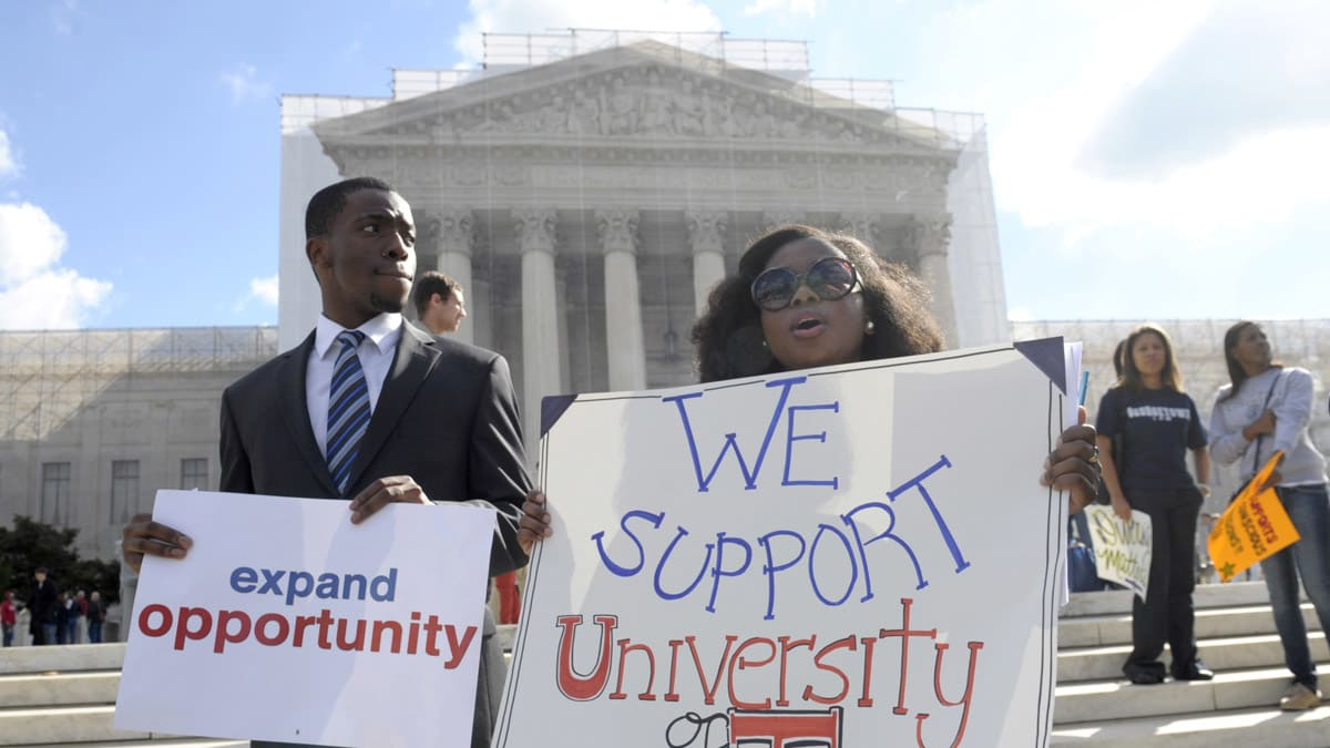 is affirmative action in the university Texas - the 10 percent plan, passed by lawmakers in 1997, guarantees state university and college admission of students who finish in the top 10 percent of their graduating class (thus narrowing the application of affirmative action policies.