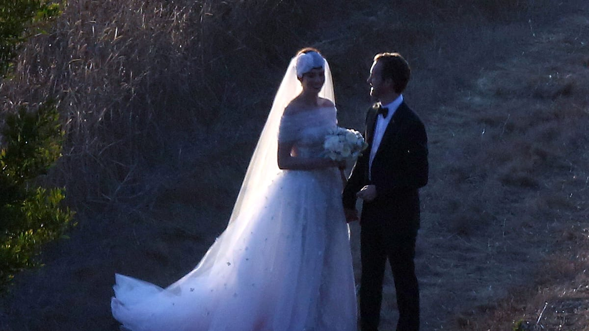 Anne hathaway weds in valentino anne hathaway weds in valentino the actress tied the knot on saturday in a romantic tulle dress and matching headpiece junglespirit Gallery