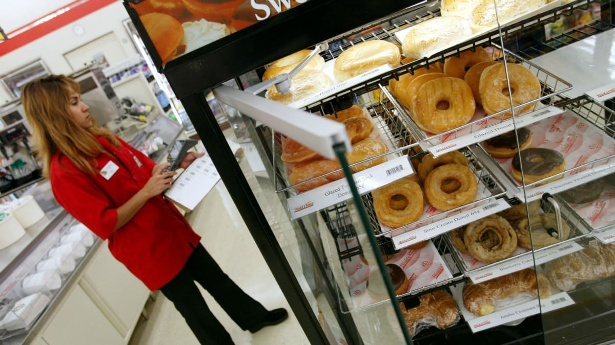 7-Eleven Thrilled Someone Knows About Their Bakery Good Ethics