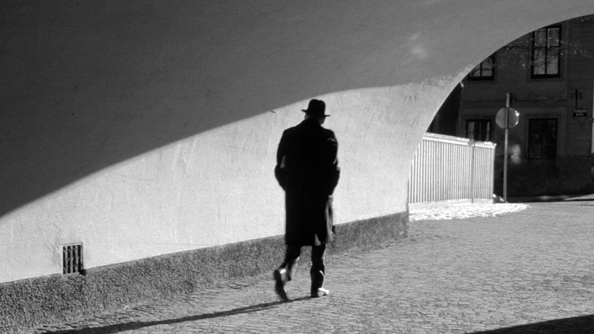 Inside the Mind of the Spy: Agents Struggle in the Shadows