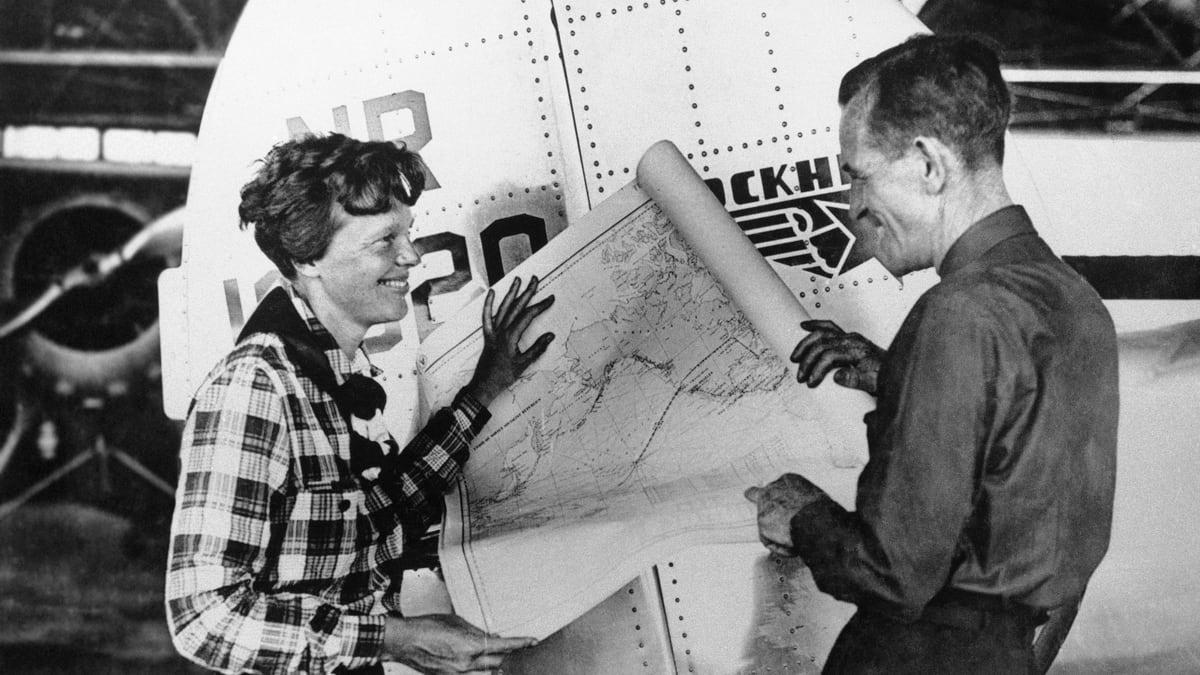 8 crazy conspiracy theories about aviator amelia earhart u2019s