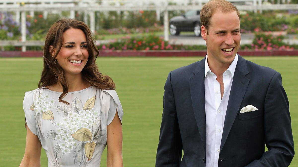 prince william dating The prince insists in an interview to mark his birthday that he does not have a steady girlfriend september 2003: william, kate and their two flatmates move into a cottage in the third year.