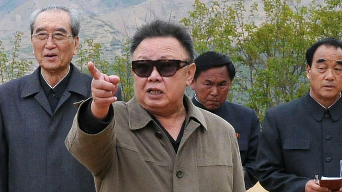 north korea s kim jong il dies the daily beast