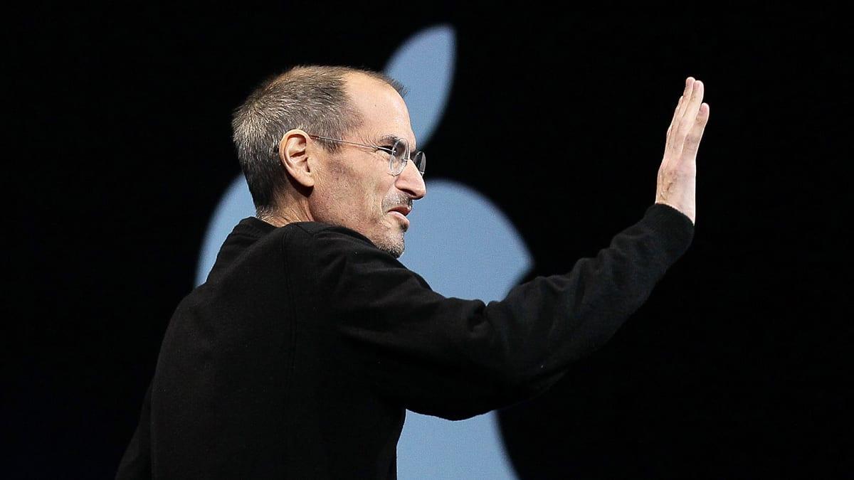 Steve Jobs Dies: His U...