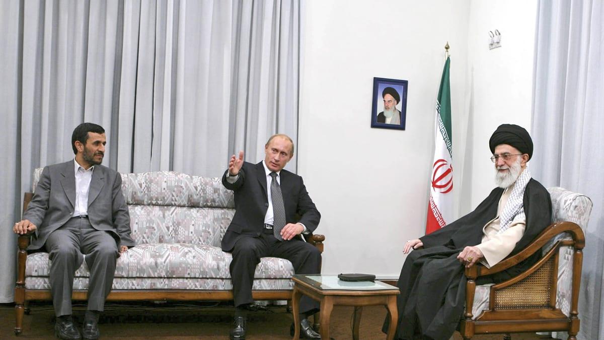 Ayatollah Khamenei And Vladimir Putin