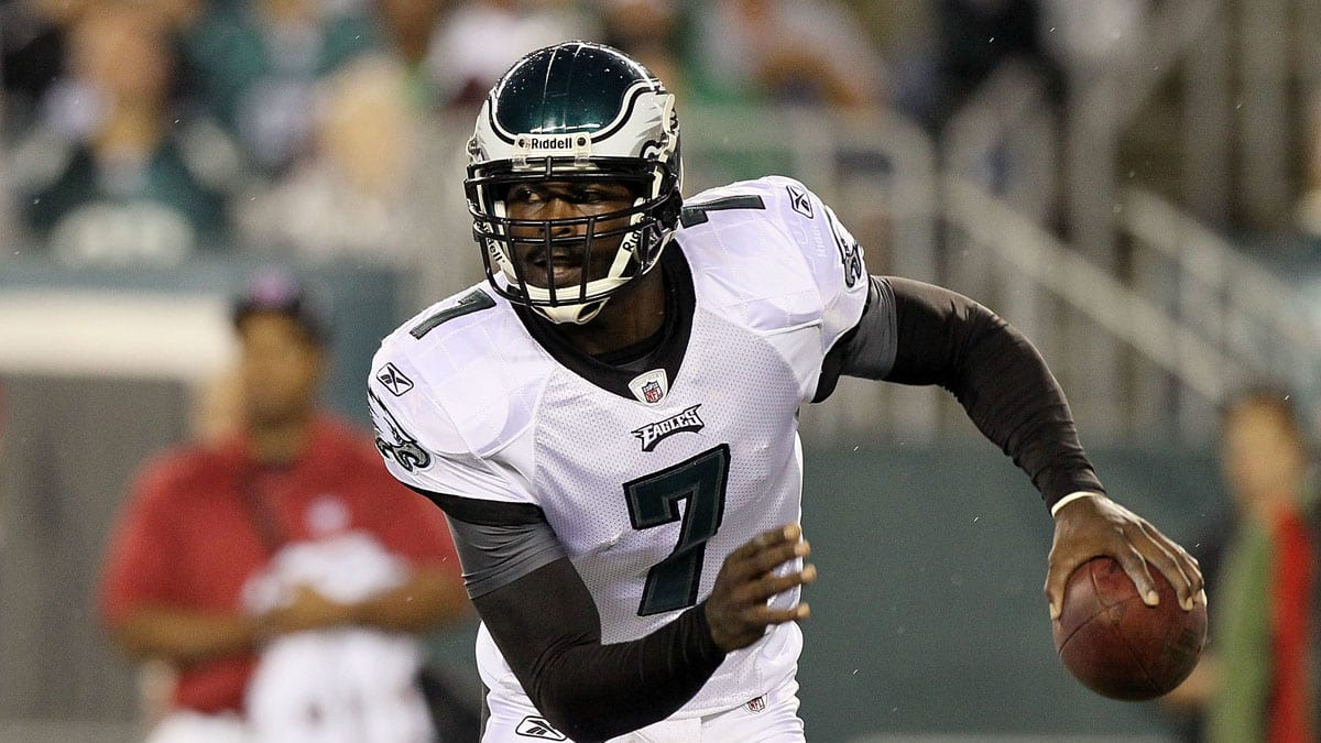 buy popular 13cd9 8f815 Michael Vick's Transformation for the Philadelphia Eagles