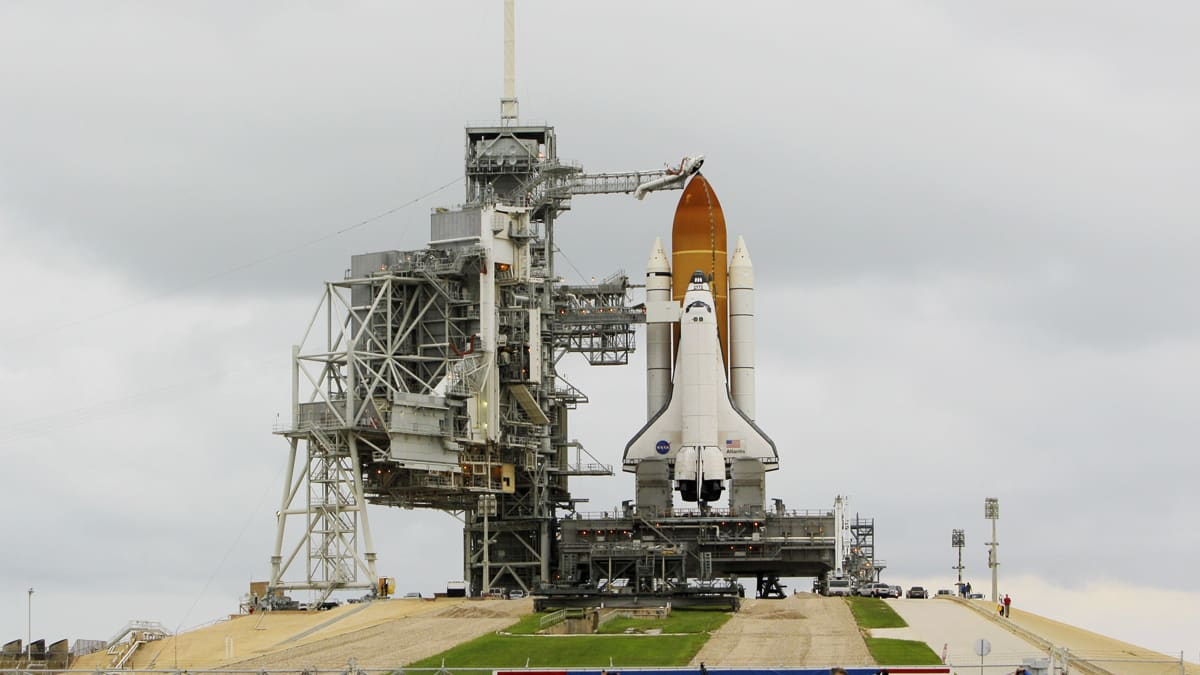 how many space shuttle missions were launched - photo #35