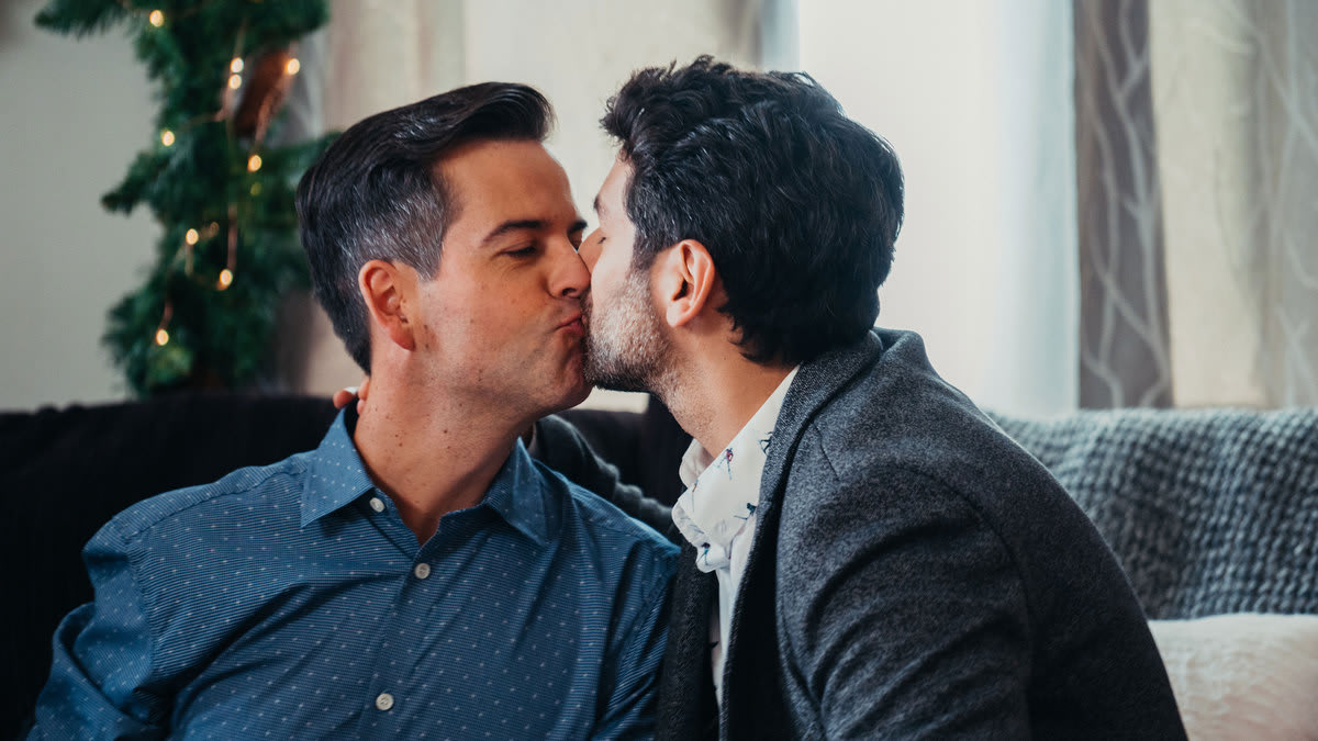 The Gay Kiss in 'Twinkle all the Way' Could Herald a Lifetime Christmas Movie Revolution
