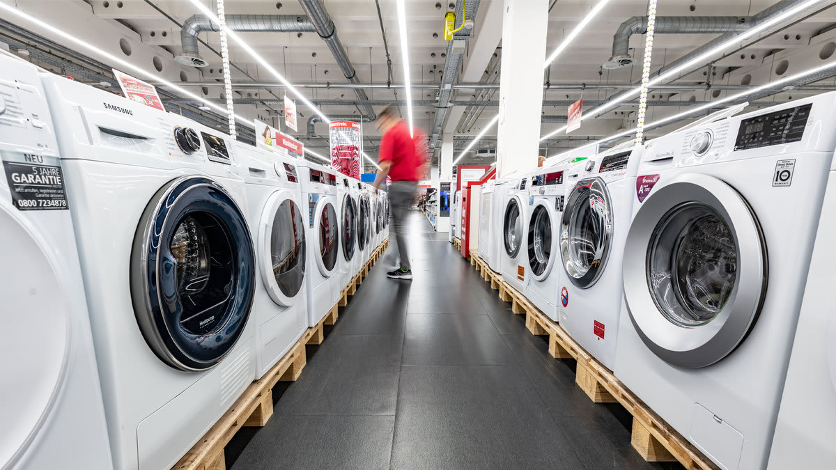 Trump-Connected Lobby Shop Gets Laundry Machine Company Deemed 'Essential'