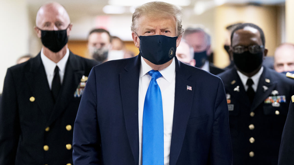 The Mask Hypocrisy: How White House COVID Memos Contradict Administration's Public Face