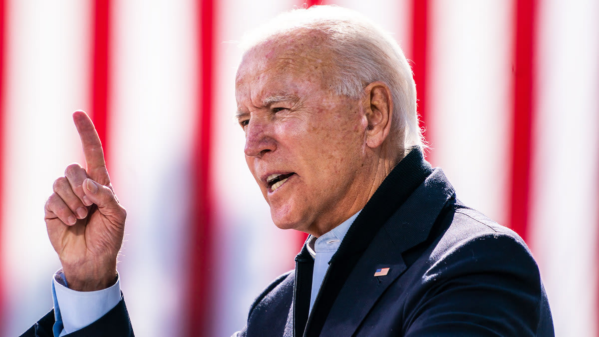 How Biden Is Encouraging 'Great Migration' of Republicans In Campaign's Final Days