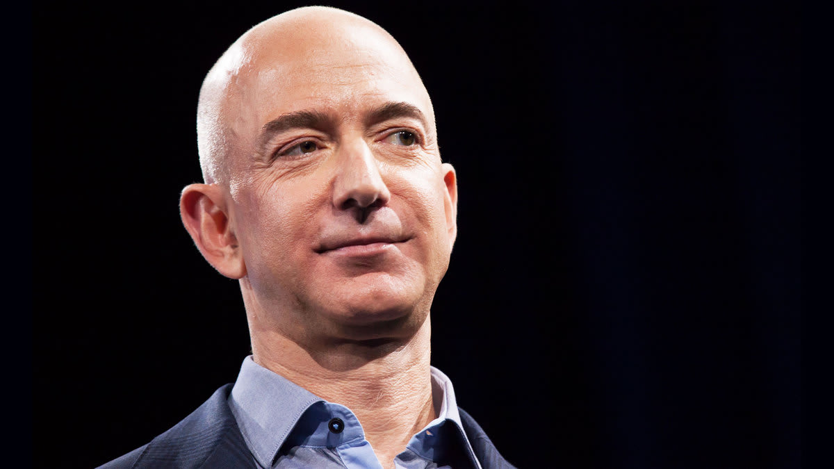 Jeff Bezos-National Enquirer's insane drama takes a bizarre new turn