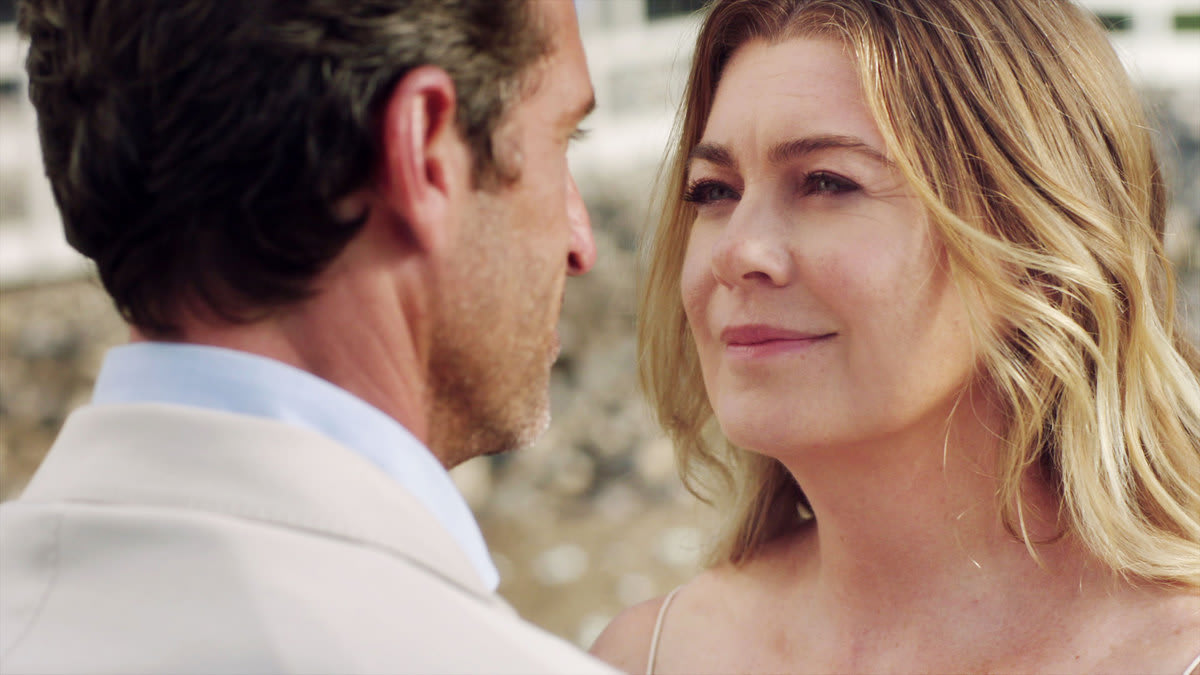 'Grey's Anatomy''s Corny Beach Gimmick Was the Best Part of the Season