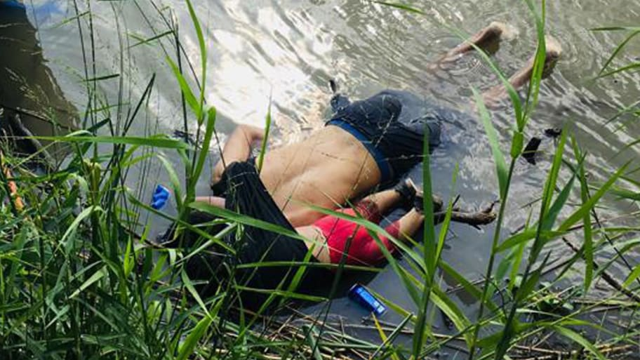 Mom of Drowned Migrant: 'They Died in Each Other's Arms'