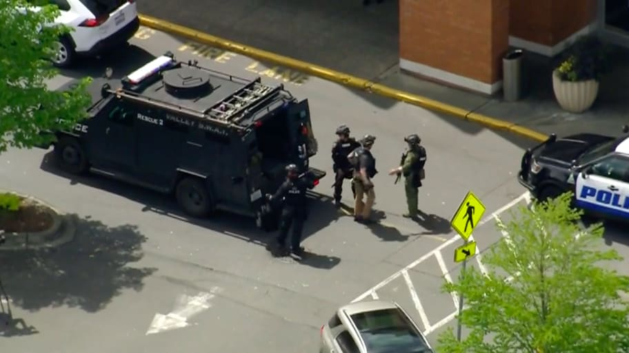 Mall Near Seattle Evacuated After 2 Injured in Possible Shooting