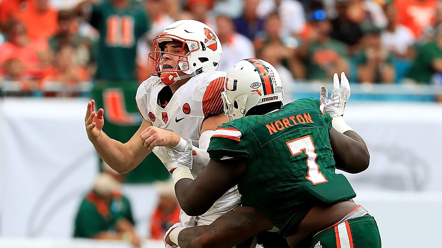 ผลการค้นหารูปภาพสำหรับ Miami Dolphins' Kendrick Norton had his arm amputated after a car wreck