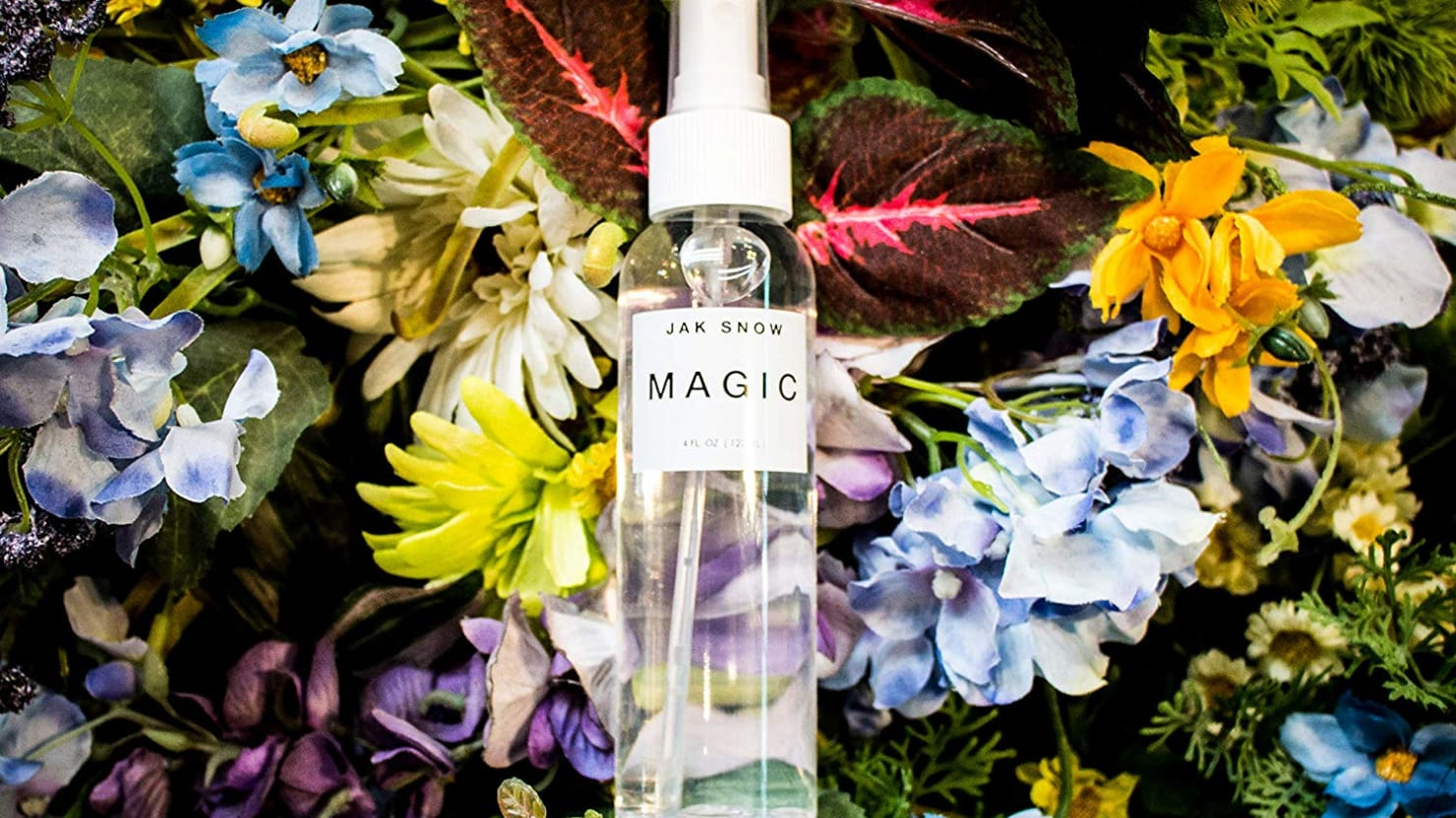 The Jak Snow Magic Spray Isn't an Exaggeration. It Magically Makes Your Shoes Waterproof