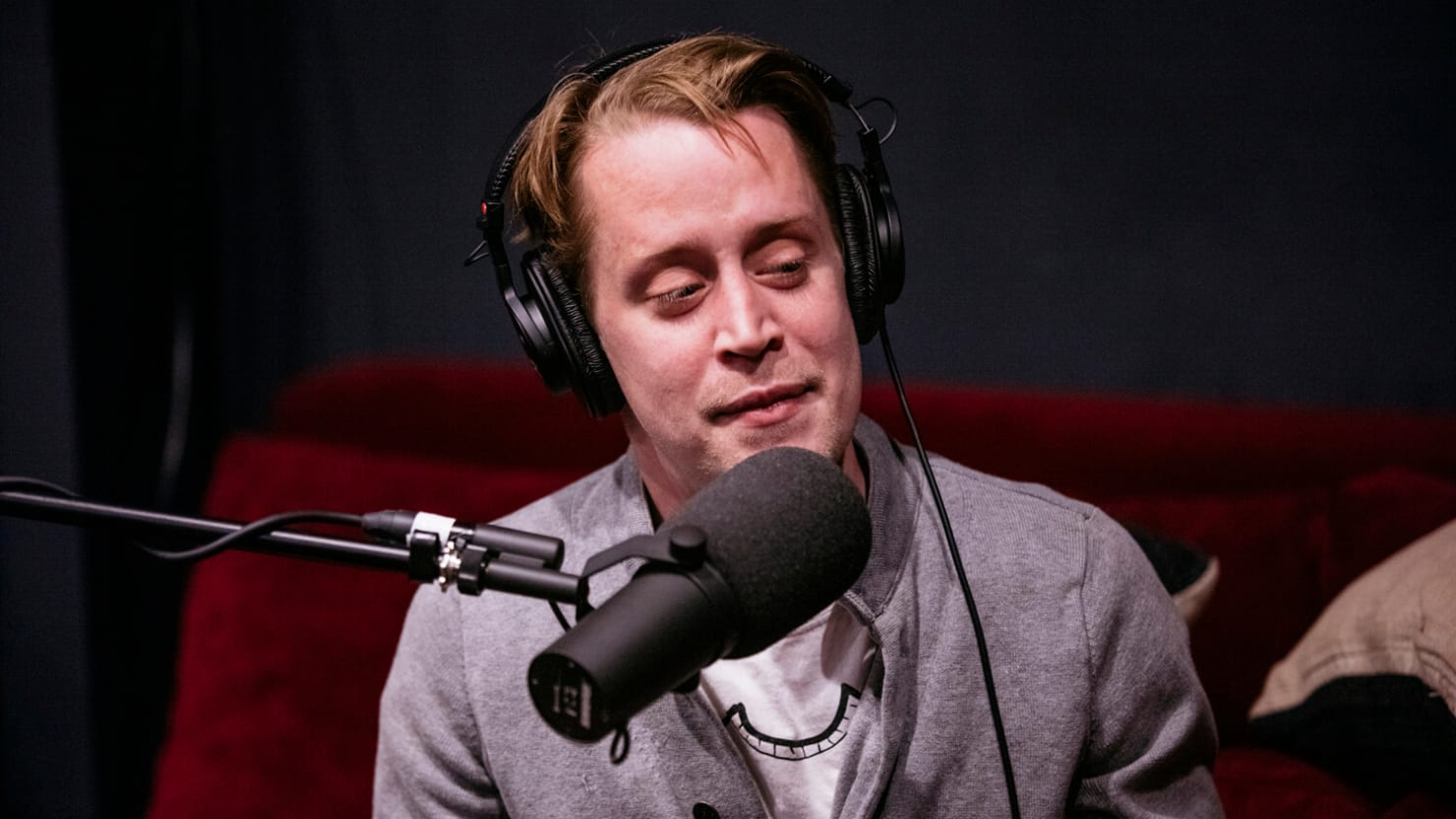 Macaulay Culkin Defends Controversial 'Friendship' With Michael Jackson