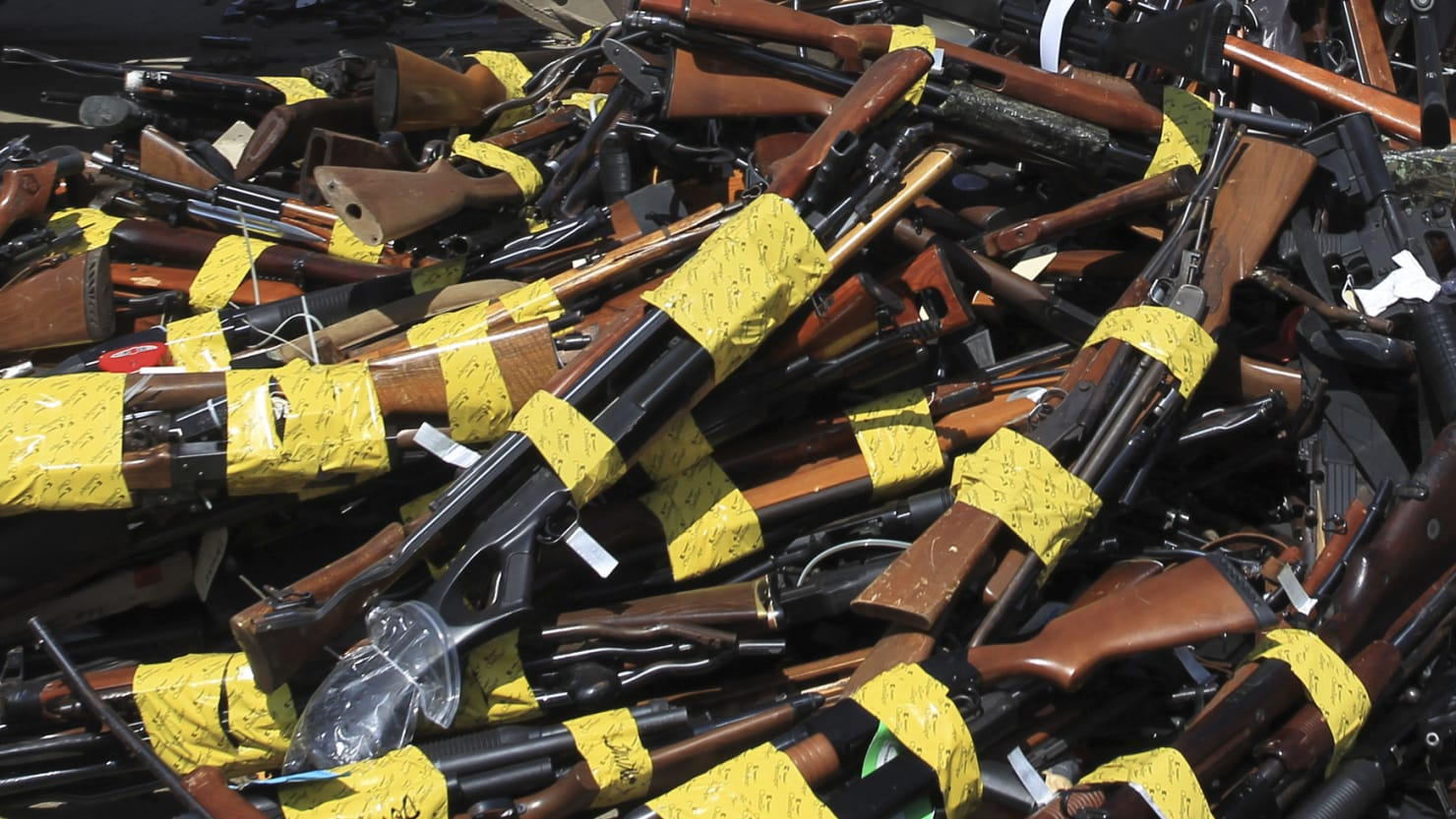 Man Arrested After Cops Find Over 1,000 Guns in Los Angeles Mansion