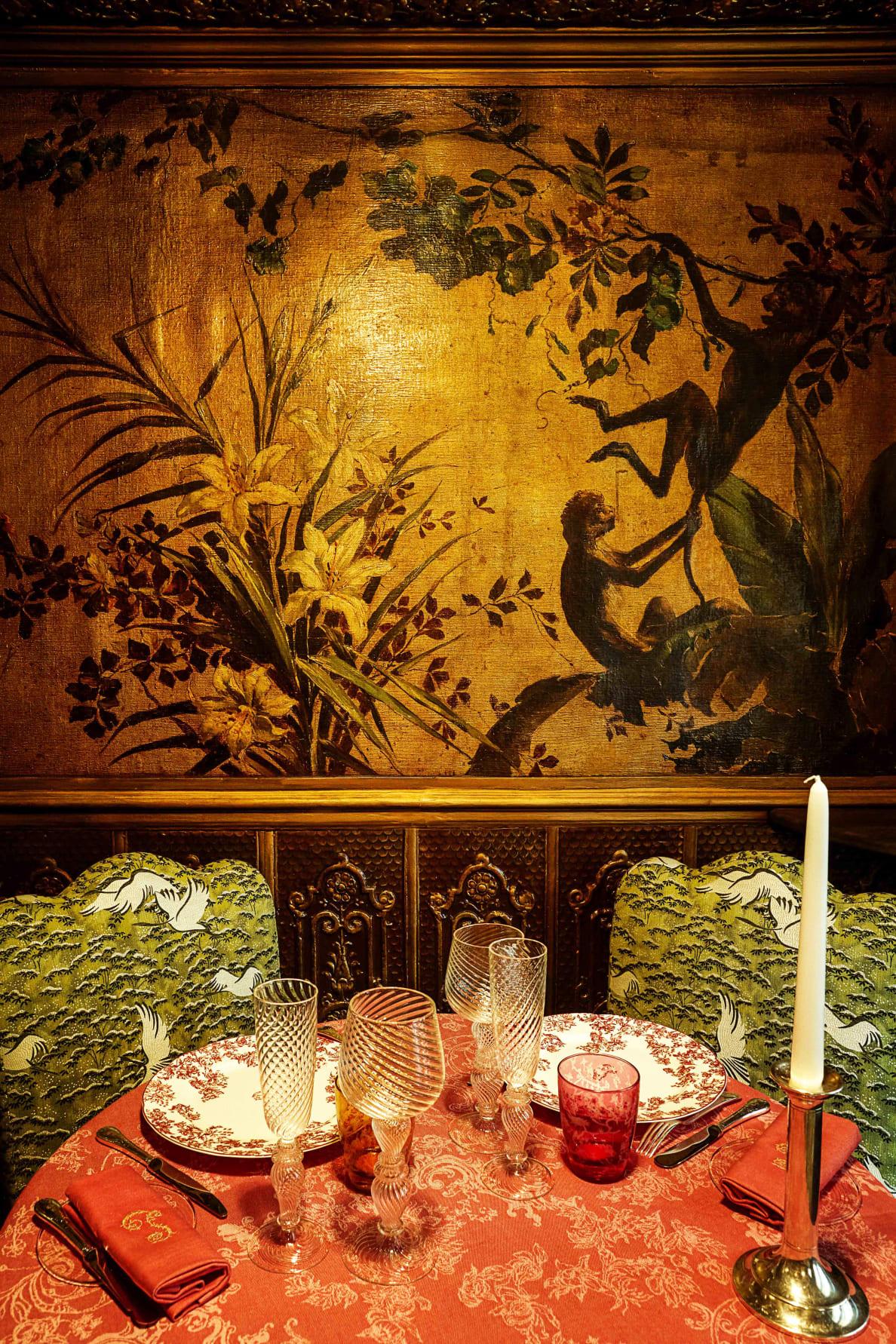 190728-Zaleski-paris-sex-restaurant-embed-9_xepmpw