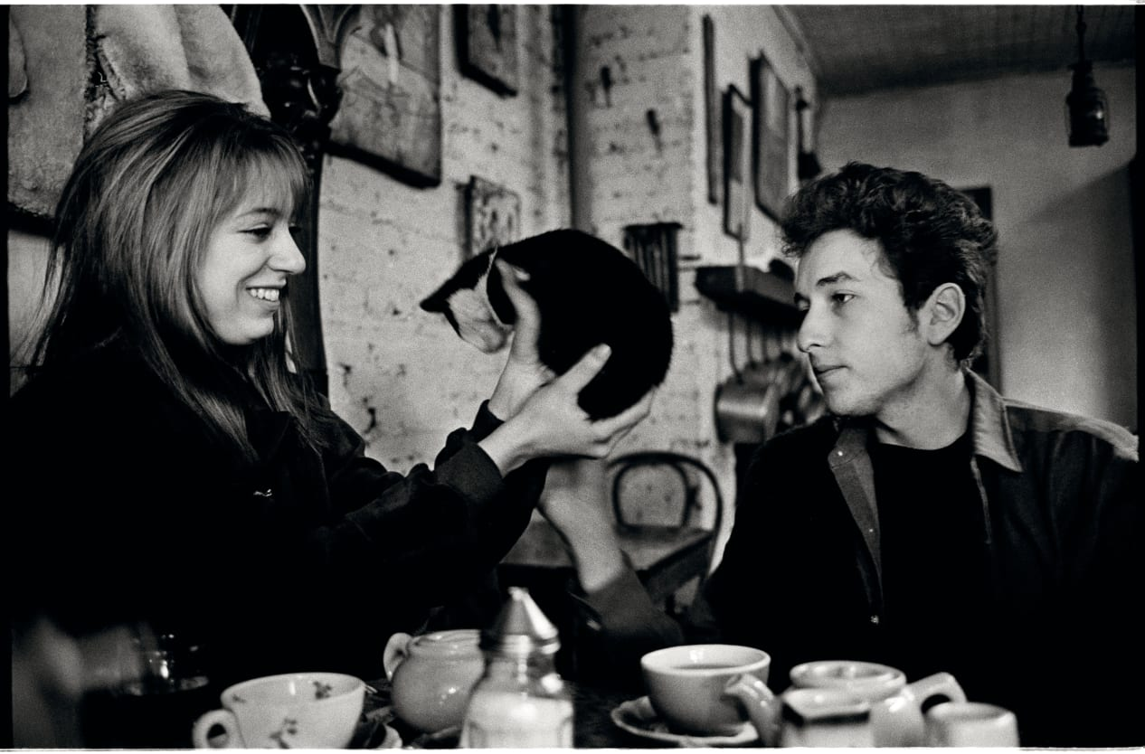 Photo © Jim Marshall - Bob Dylan and Suze Rotolo in a Greenwich Village café, New York City, 1963