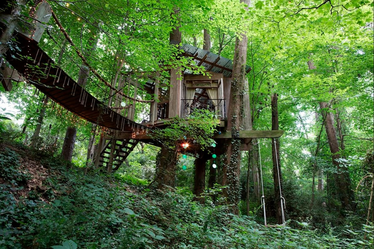 One For Victor - OMG I Want to Rent This House: Georgia Treehouse 190312-mcnearney-omg-i-want-to-rent-this-house-atlanta-treehouse-8_zhklkb