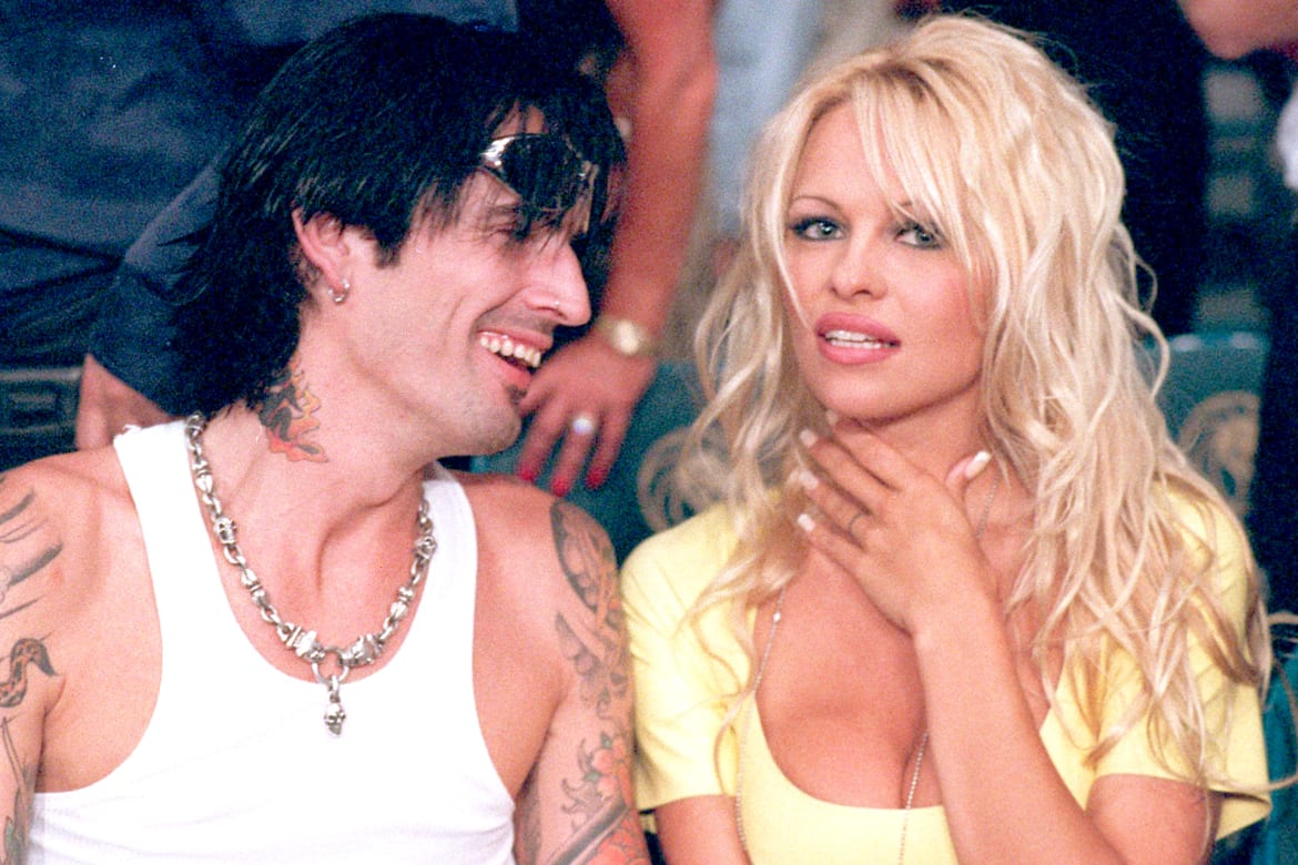 In Recent Years The Celebrity Sex Tape Has Become A Standard Way For The Fading D List Stars To Cash In On A 16th Minute With Farrah Superstar Backdoor